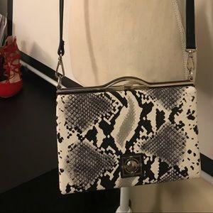 Black&white snakeskin Crossbody bag 🥰